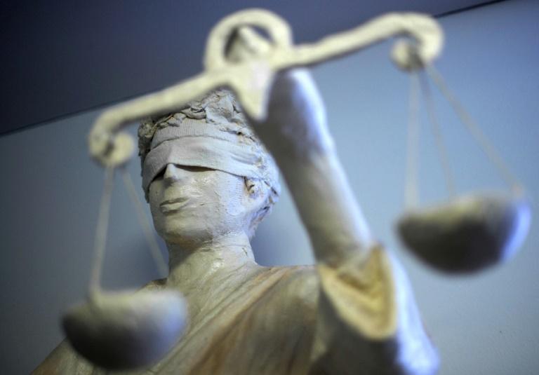 Gericht: Autokennzeichen HH 1933 ist sittenwidrig