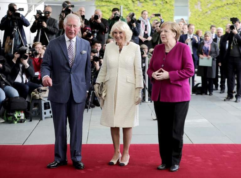 Prinz Charles und Camilla in Berlin von Kanzlerin Merkel empfangen (© 2019 AFP)