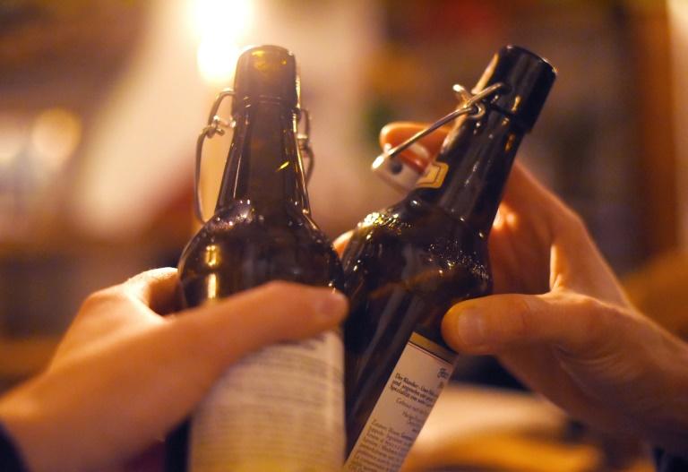 Jugendliche trinken weniger Alkohol und sind häufiger abstinent