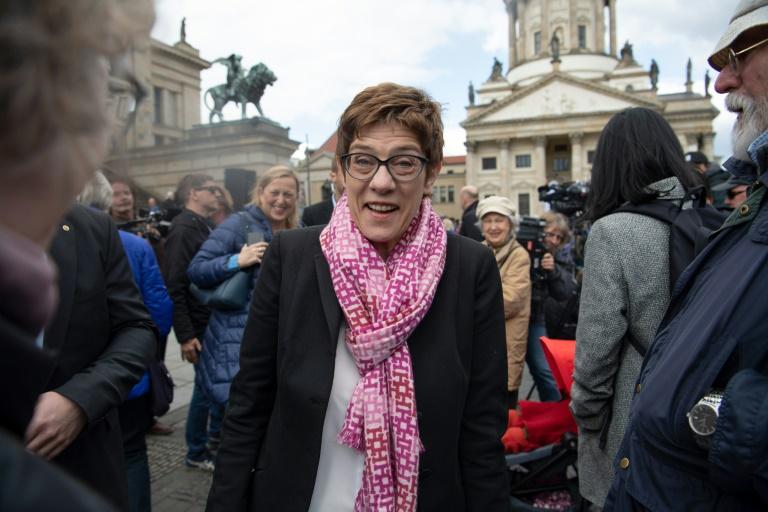 Kramp-Karrenbauer bleibt Präsidentin des Volkshochschulverbands (© 2019 AFP)