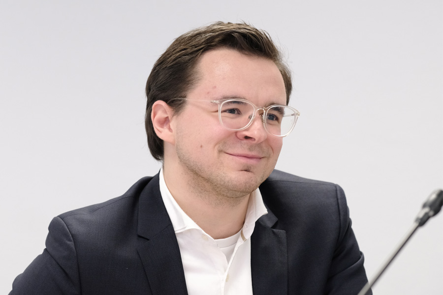Alexander Smolianitski ist neuer Digitalisierungsbeauftragter der Stadt Düsseldorf (Foto: Stadt Düsseldorf/Michael Gstettenbauer)
