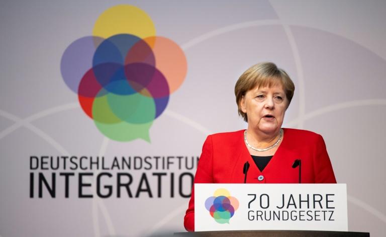 """Merkel: Grundrechte auch """"gegen kleine Nadelstiche"""" verteidigen (© 2019 AFP)"""