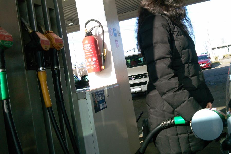 Für Benziner wird Tanken immer teurer