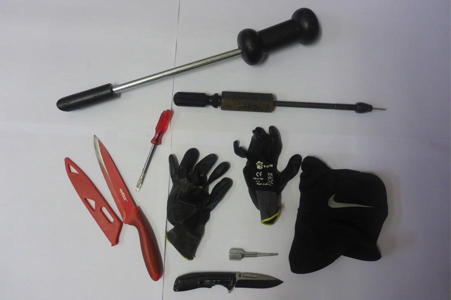 Umfangreiches und spezialisiertes Aufbruchswerkzeug wurde sichergestellt (Foto: Polizei Düsseldorf)