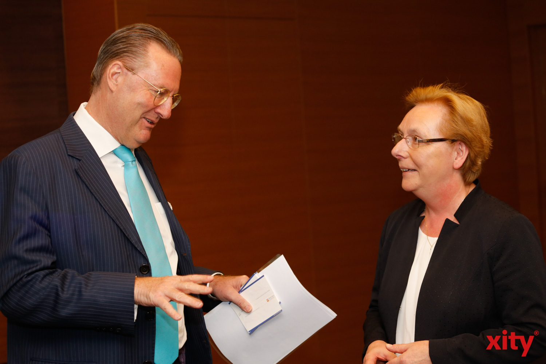 AmCham-Chairman Dr. Alexander Schröder-Frerkes und Christiane Grün, Managing Director of the Central Europe Region bei 3M (Foto: xity)