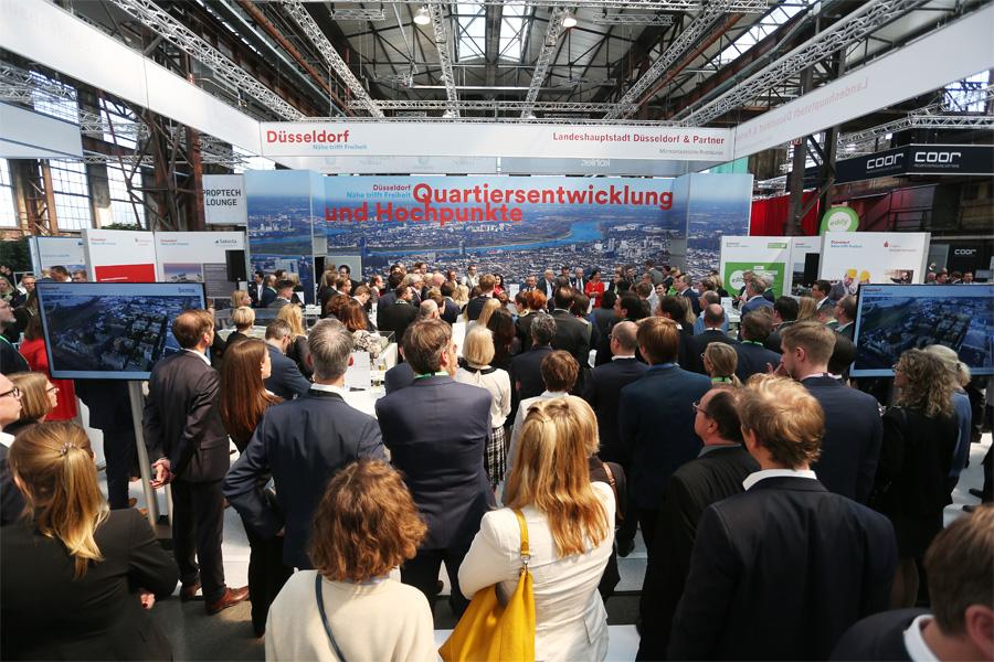 Wirtschaftsförderung mit 19 Partnern auf der Messe polis Convention (Foto: Stadt Düsseldorf/David Young)