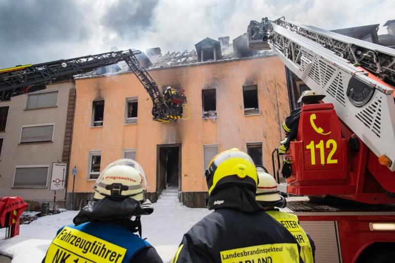 Dritte Leiche in ausgebranntem Wohnhaus in Neunkirchen gefunden (© 2019 AFP)