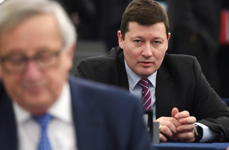 Generalsekretär der EU-Kommission begrüßt Merkels Klarstellung zu Zukunftsplänen (© 2019 AFP)