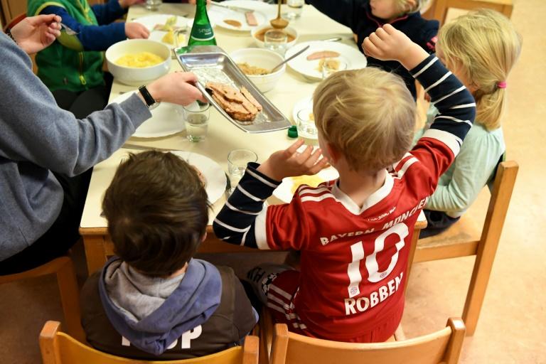 Klöckner sieht bei Ernährung von Kindern Schulen und Kitas in der Pflicht