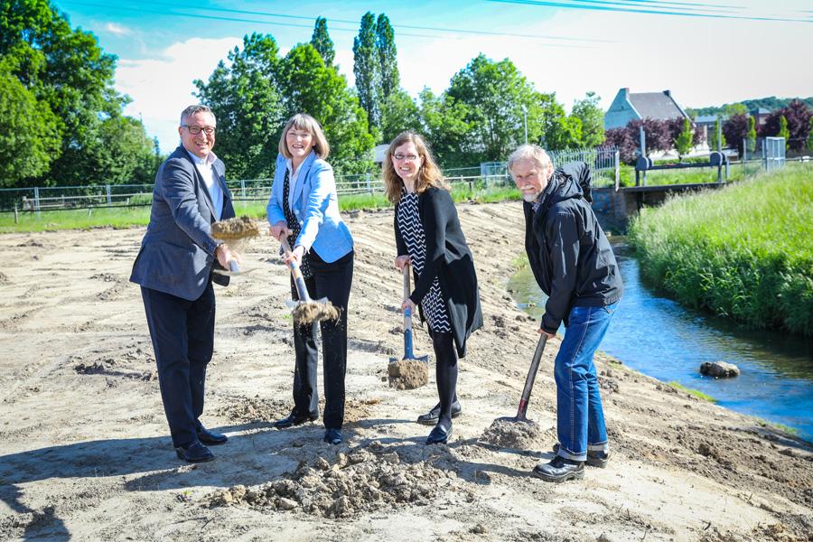 Andreas Hartnigk, Dorothee Schneider, Janine Mentzen und Kristian Lütz (Foto: Stadt Düsseldorf/Melanie Zanin)