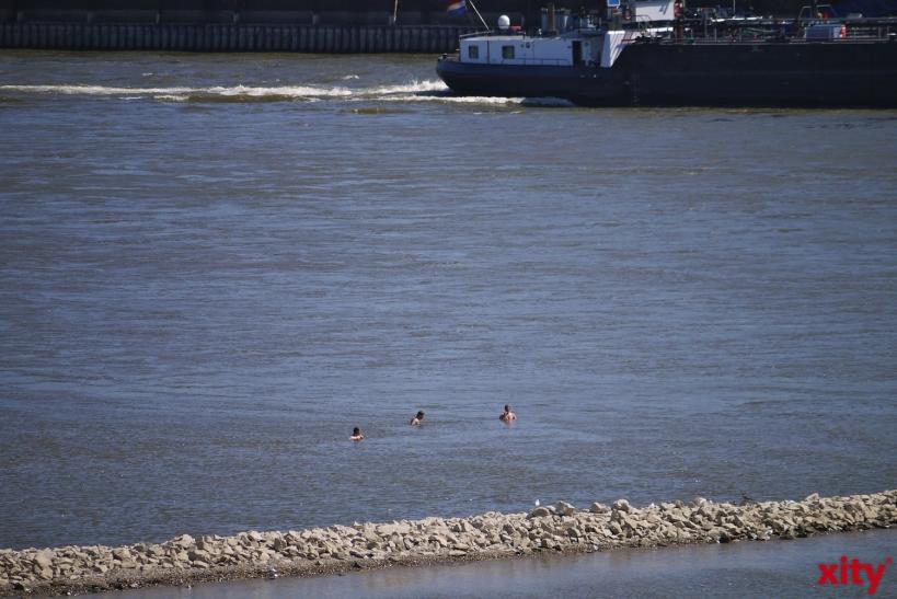Feuerwehr, DLRG, Wasserwacht und Wasserschutzpolizei warnen: Auch geübte Schwimmer können bei Unterströmungen in Not geraten! (Foto: xity)