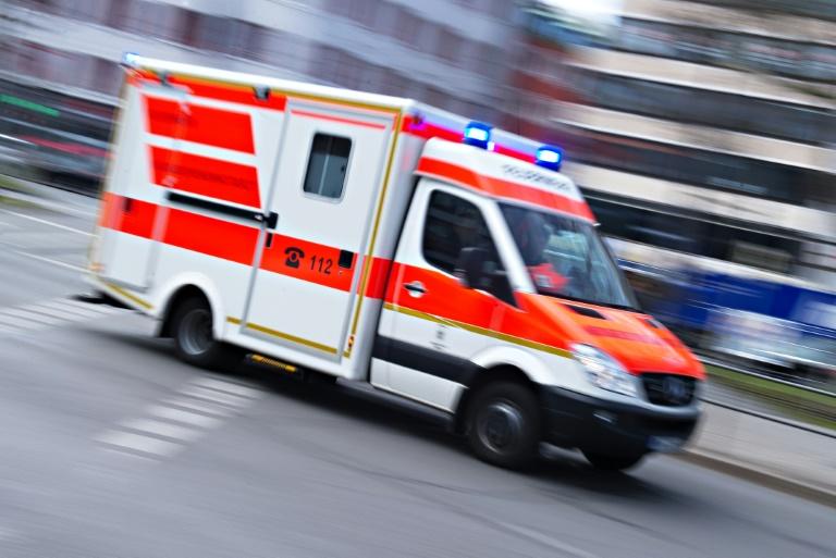 Kunde bei Unfall mit Hähnchengrillwagen in Bremen schwer verletzt (© 2019 AFP)