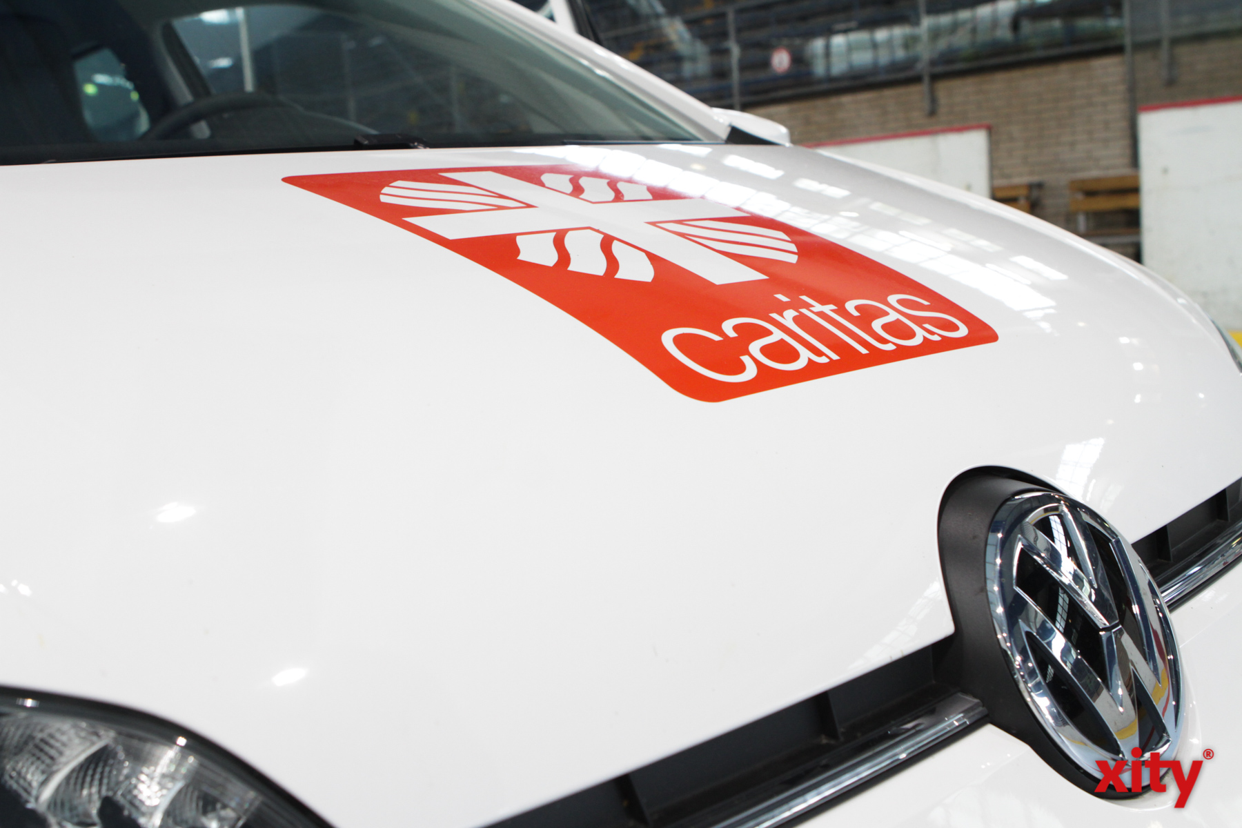 Die Hospizdienste der Caritas Wuppertal/Solingen erhielten einen der neuen VW up (Foto: xity)