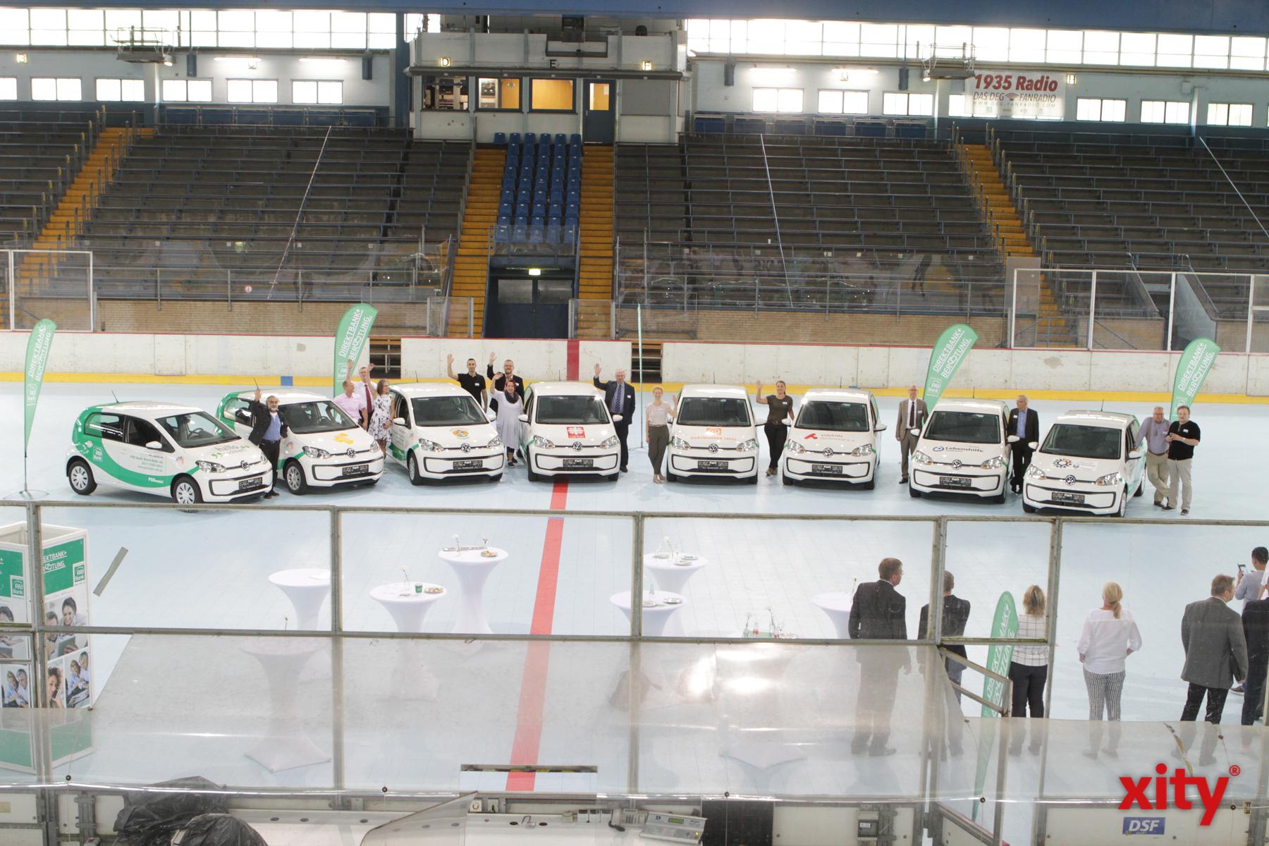 Die Übergabe fand im Eisstadion an der Brehmstraße statt (Foto: xity)