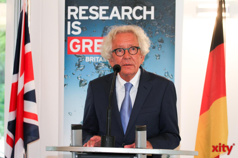 In seinem Grußwort sprach Dr. Stephan Holthoff-Pförtner von Operation Mariage und dem Dank, den NRW Großbritannien schuldet (Foto: xity)