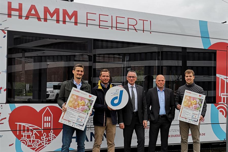 Daniel Leuchten, Rüdiger Schaar, Klaus Klar, Jan Sönke Eckel und Christian Konen (Foto: Förderverein Düsseldorf-Hamm e. V.)