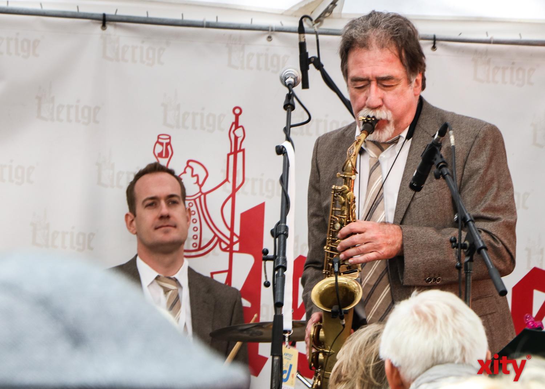 Auf der Berger Straße spielten The Bourbon Street Stompers ihren bunten Mix aus klassischem Jazz (Foto: xity)