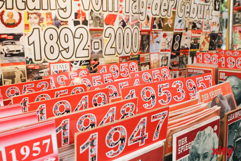 An einem Stand gab es Zeitungen aus jedem Geburtsjahr (Foto: xity)