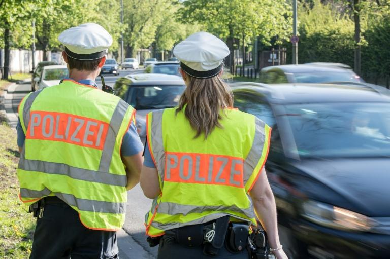 Niedersachsens Innenminister will Bewerber für Polizeidienst schärfer prüfen (© 2019 AFP)