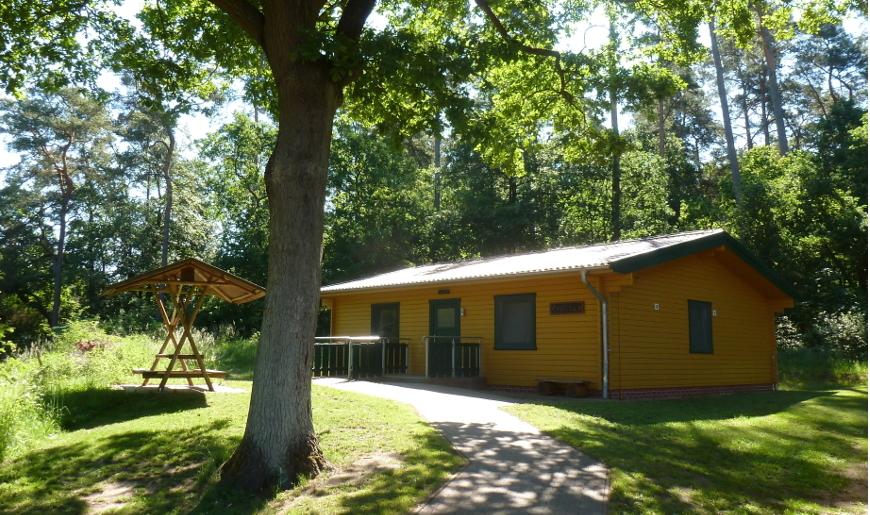 Die Reise führt ins Jugendwaldheim am Loppiner See (Foto: Matthias Poeszus, Landesforst Mecklenburg-Vorpommern)