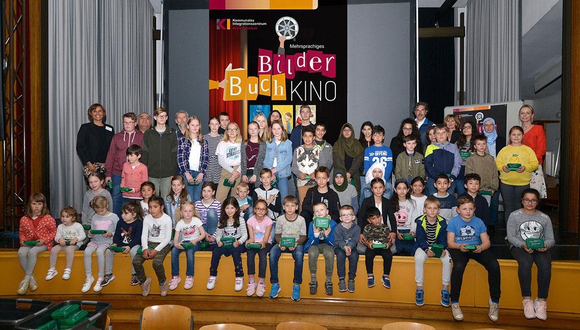 Im Mittelpunkt standen rund 60 Schülerinnen und Schüler des herkunftssprachlichen Unterrichts aus Greven und Nordwalde (Foto: Kreis Steinfurt)