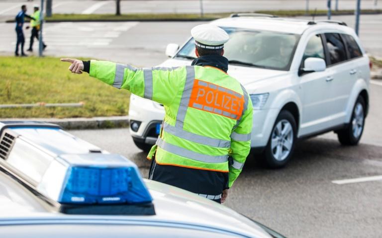 Fahrer legt bei Polizeikontrolle statt Führerschein Quittung von Fahrschule vor (© 2019 AFP)