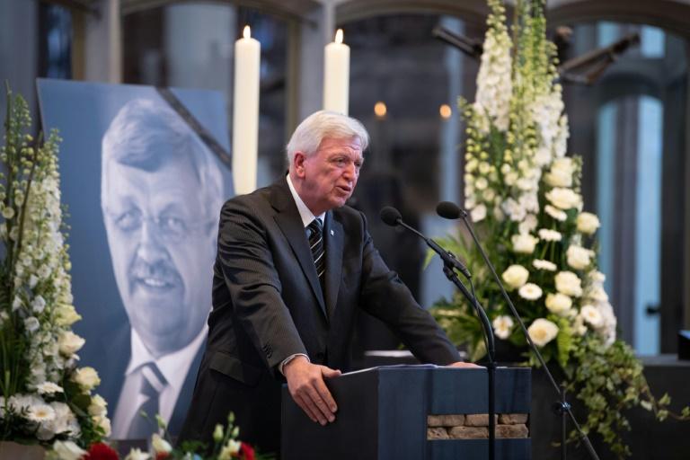 Angehörige und Weggefährten erweisen Regierungspräsident Lübcke die letzte Ehre (© 2019 AFP)