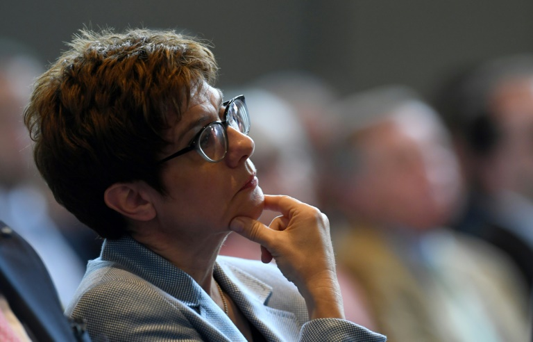 Kramp-Karrenbauer sorgt mit Tweet zu Görlitz-Wahl für Ärger - und rudert zurück