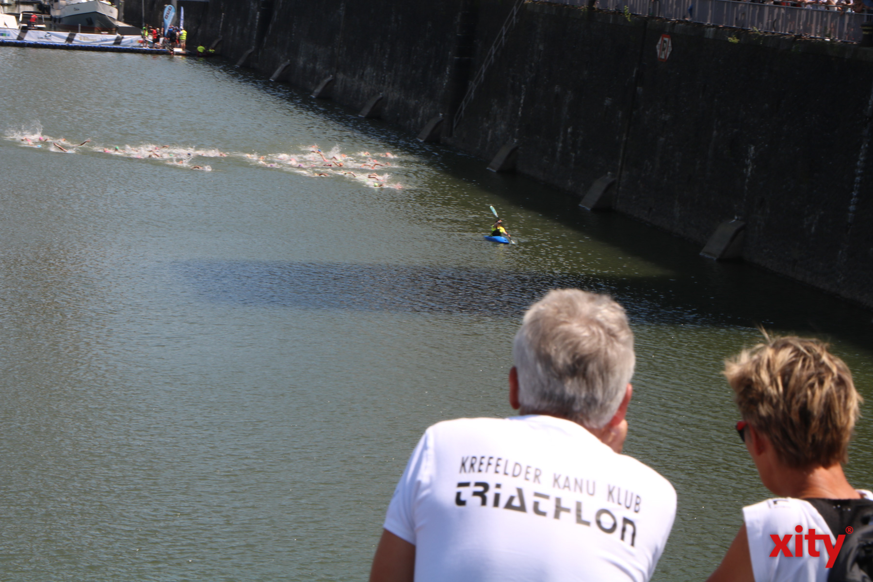 Im Hafenbacken ging es für die Teilnehmer los (Foto: xity)
