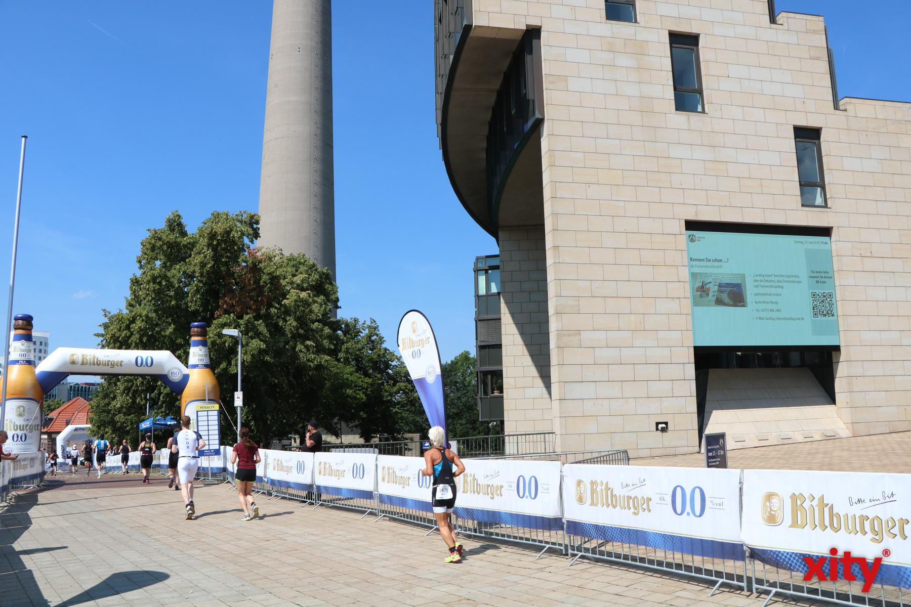In diesem Jahr führte die Laufstrecke erstmals zum NRW-Landtag (Foto: xity)
