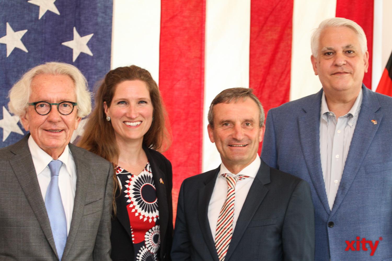 Dr. Stephan Holthoff-Pförtner, Fiona Evans, Thomas Geisel und Frank Sportolari (Foto: xity)