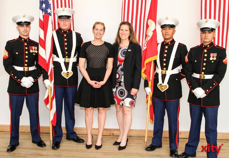 US-Generalkonsulin Fiona Evans (r.) hatte zum 4th of July nach Düsseldorf geladen (Foto: xity)