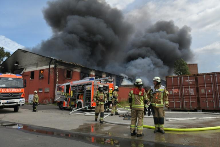 Großbrand auf Gelände von bekanntem Berliner Asiamarkt Dong Xuan (© 2019 AFP)