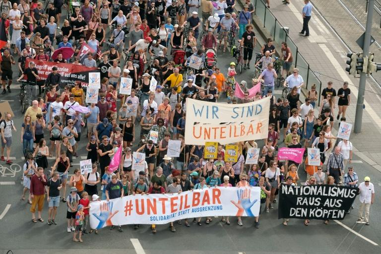 """Veranstalter: Mehr als 4000 Menschen bei """"unteilbar""""-Demonstration in Leipzig (© 2019 AFP)"""