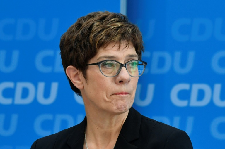 Kramp-Karrenbauer warnt SPD vor Ablehnung von der Leyens (© 2019 AFP)