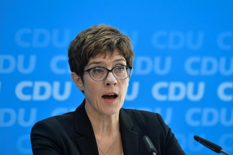 """Kramp-Karrenbauer lädt andere Parteien zu """"nationalem Klimakonsens"""" ein (© 2019 AFP)"""