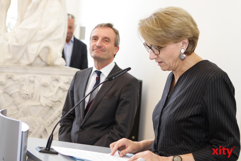 In ihrer Rede hob Anne-Marie Descôtes Geisels  Verdienste hervor (Foto: xity)