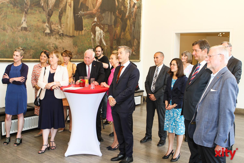 Viele aus der Stadtgesellschaft waren gekommen, um Thomas Geisel zu gratulieren (Foto: xity)