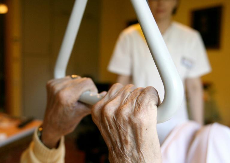 AOK-Studie: Bis 2030 mindestens 130.000 zusätzliche Pflegekräfte nötig