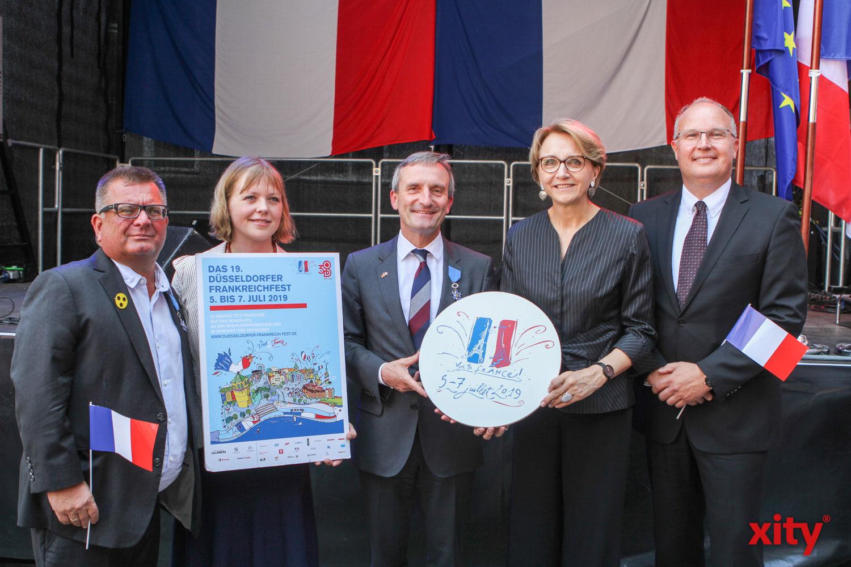 Boris Neisser, Olivia Berkeley.Christmann, Thomas Geisel, Anne-Maria Descôtes, Rasmus Reuter eröffneten feierlich das 19. Frankreichfest (Foto: xity)