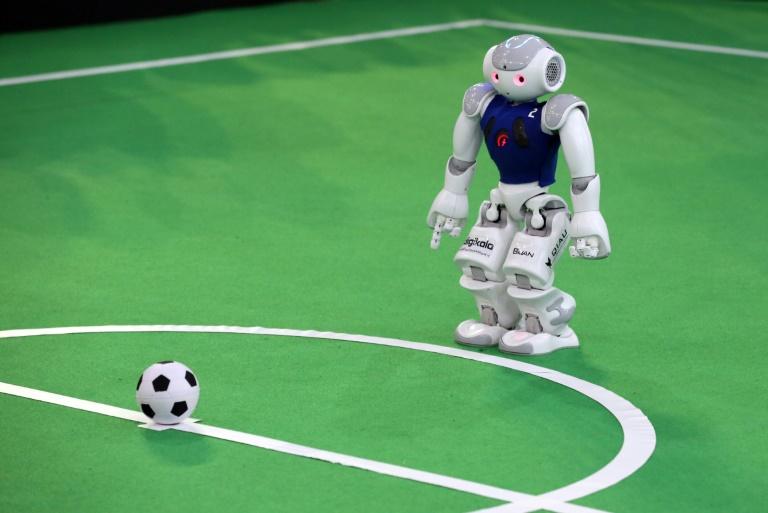Fußballroboter der Uni Bonn verteidigen WM-Titel