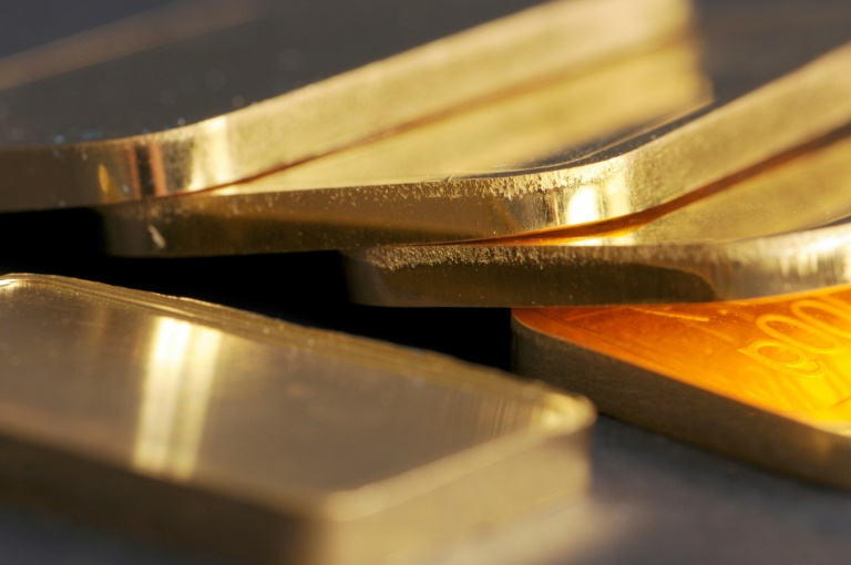 Falsche Polizisten stehlen Gold und Schmuck im Wert von einer Million Euro (© 2019 AFP)