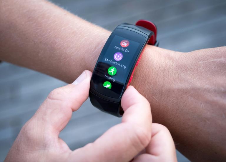 Gesundheits-Apps soll es künftig auf Rezept geben (© 2019 AFP)