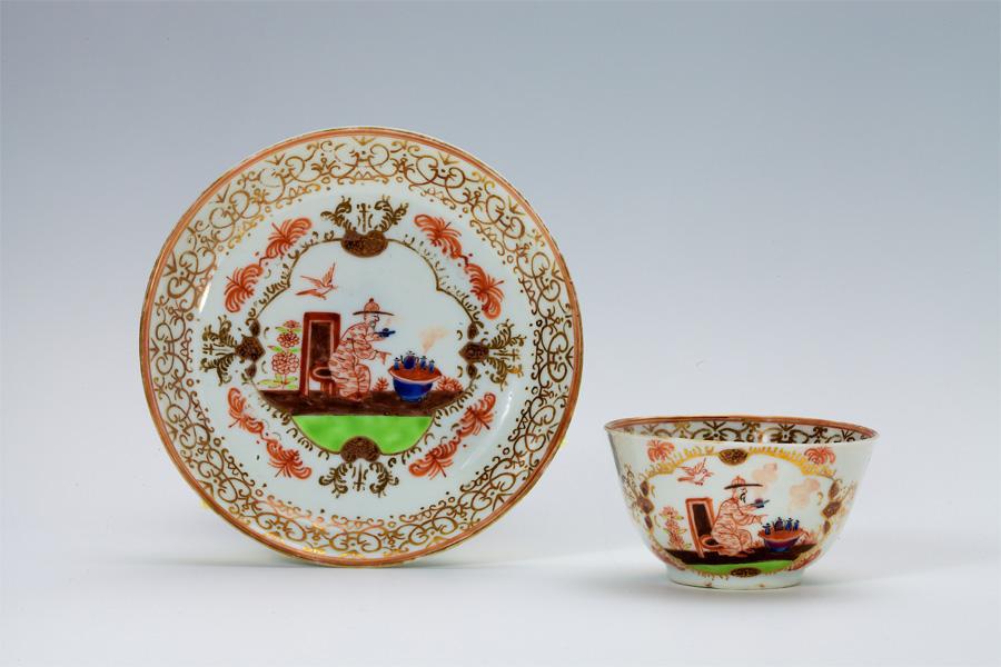 Tasse mit Untertasse, Chine de Commande Porzellan, Mitte des 18. Jahrhunderts (Foto: Stadt Düsseldorf/Horst Kohlberg, Neuss)