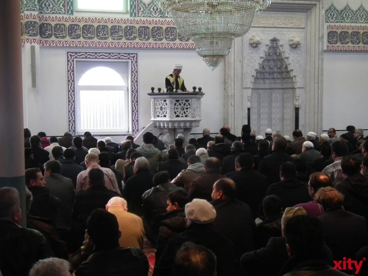 Rund jeder zweite Mensch in Deutschland sieht Islam als Bedrohung (Foto: xity)