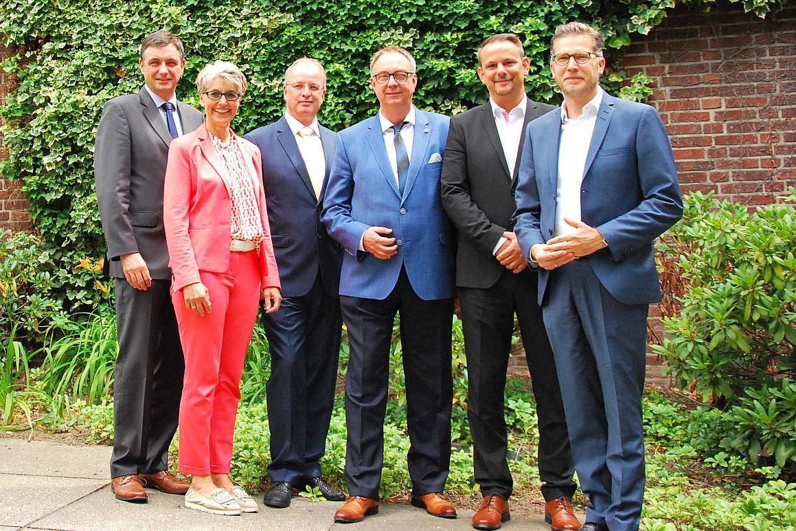 Neuer Vorstand und Geschäftsführung der Unternehmerschaft Papierverarbeitung Niederrhein (Foto: Unternehmerschaft Niederrhein)