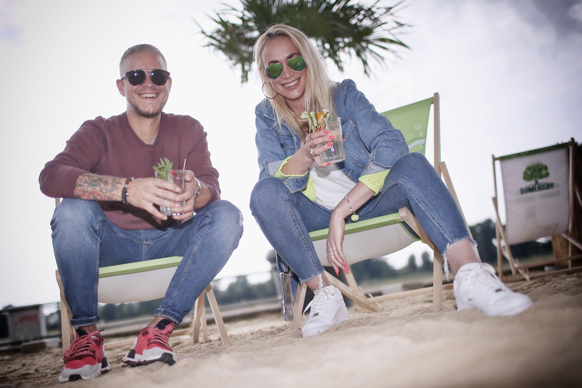 Daniel Hall und Ramona Nerra freuen sich auf ihren Auftritt im Beachclub (Foto: Anke Hesse/ D.LIVE)