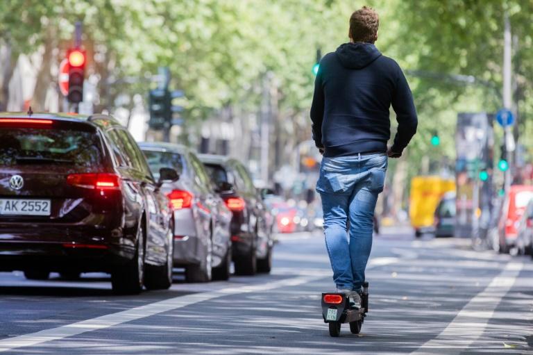 Vor allem jüngere Menschen wollen E-Scooter nutzen