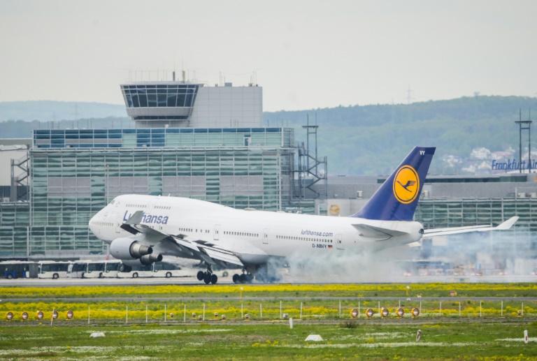 """Bericht: Grüne wollen Inlandsflüge """"weitestgehend obsolet machen"""""""