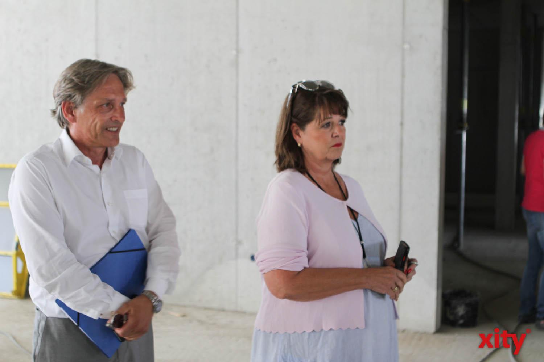Dr. Heinrich Labbert, Geschäftsführer IPM und Anke Schäfer, Schulleiterin der Regenbogenschule (Foto: xity)